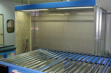 Wet cleaning system booths
